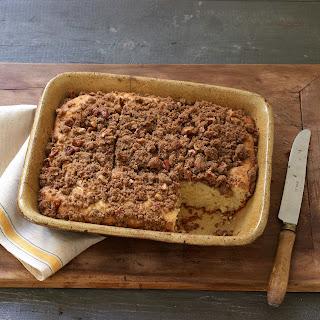 Cinnamon Pecan Crumb Cake