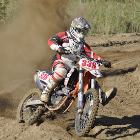 king of the track by Jean-Pierre Machet - Sports & Fitness Motorsports ( course, racing, moto cross,  )
