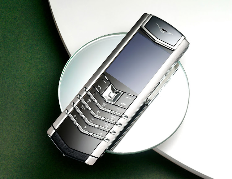 SIGNATURE BLACK PHONE, R175 000, VERTU