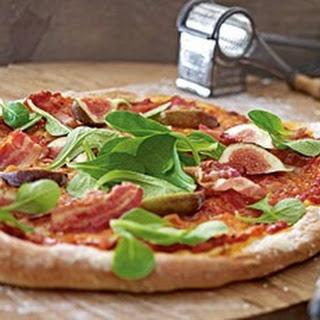 Pizza mit Feigen & Bacon