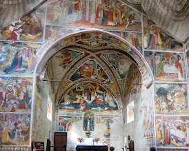 Photo: The interior is completely covered in frescos by the painter-priest Giovanni Canavesio (1450-1500).