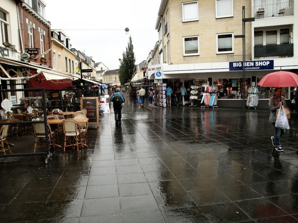 Een regenachtige namiddag in Valkenburg aan de Geul