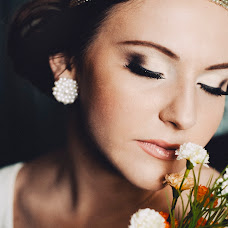 Wedding photographer Karina Chayka (Lacrimosaa). Photo of 09.03.2015