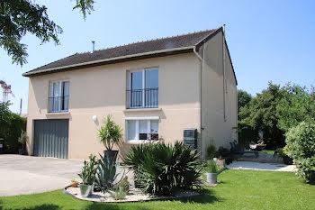 villa à La Queue-en-Brie (94)
