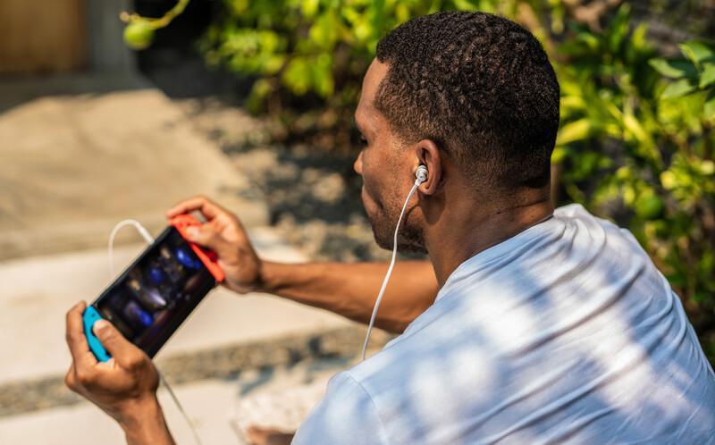 G333 Gaming Earphones White LIFE 2