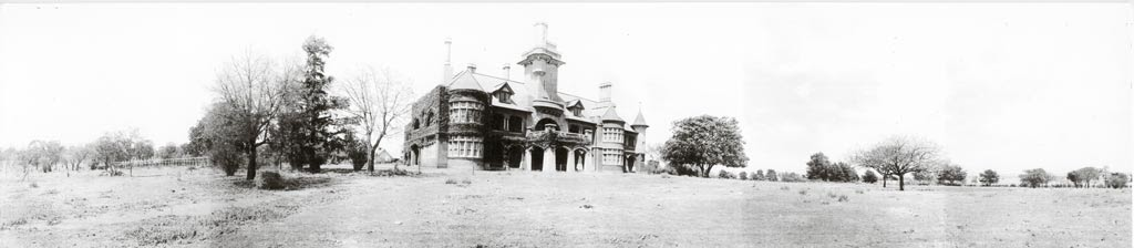 In 1908 Greene commenced the conversion of this single storey brick house to a two-storey reinforced concrete building