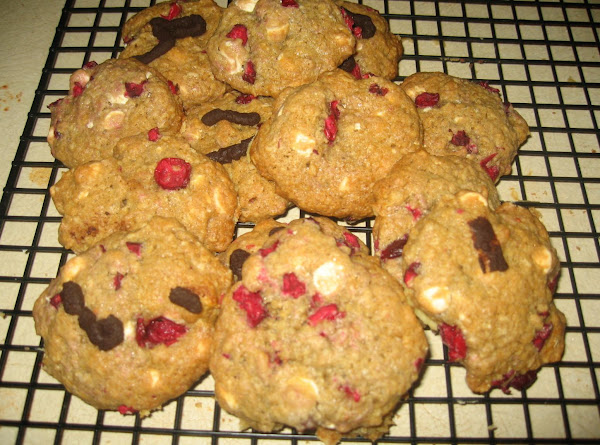Cranberry And White Chocolate Chip Oatmeal Cookies Recipe