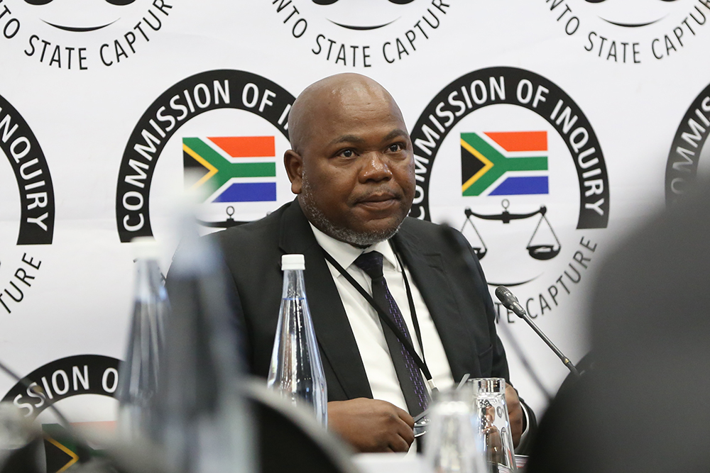 Mxolisi Nxasana: 'Amptenare het leuens aan Zuma gerig om my te verdryf' - TimesLIVE