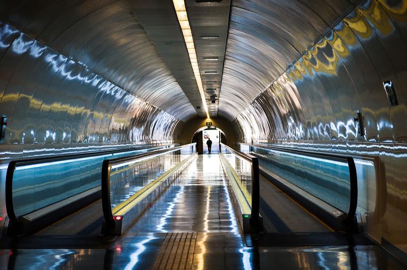 Underground. di marina_mangini