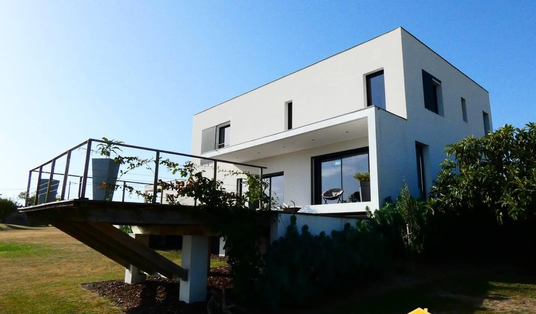 Maison avec terrasse Saint-Fort-sur-Gironde