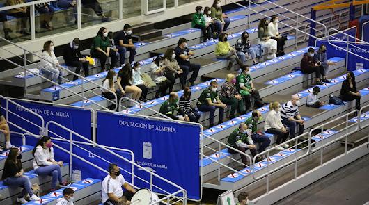 "Mensaje verde: ""Volveréis (al cuadrado) al Moisés Ruiz"""