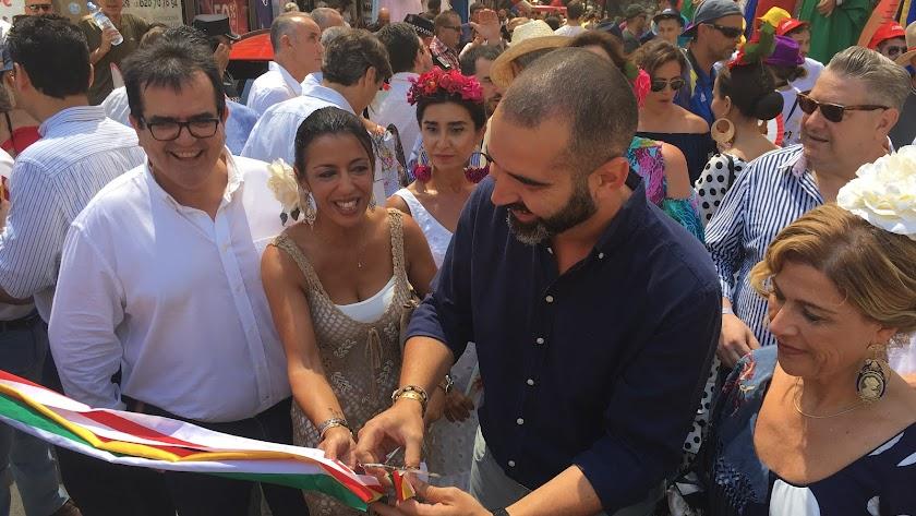 Ramón Fernández-Pacheco, alcalde de Almería inaugurando la Feria del Mediodía 2019.