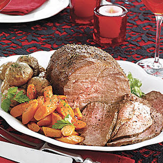 Sirloin Tip Roast with Carrots and Baby Red Potatoes.