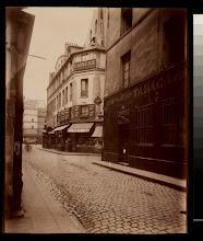 Photo: La Rue Beaubourg - et la maison ou ont en lieu le 14 Avril 1834 - les massacres de la Rue Transnonain - Rue Beaubourg - depuis 1851 (IIIe.)