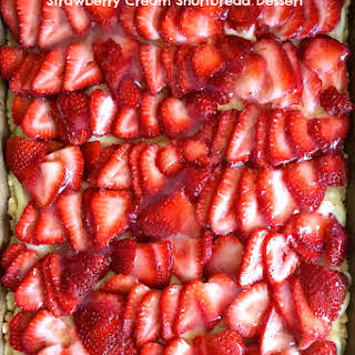Strawberry Cream Shortbread Dessert.