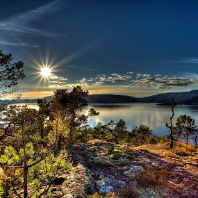Evening light on Mælen by Sigbjørn Fjellheim - Landscapes Mountains & Hills ( hardanger )