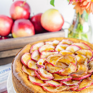 Maple Cheesecake with Roasted Apples