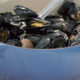 Mussels with White Wine and Shallots Recipe