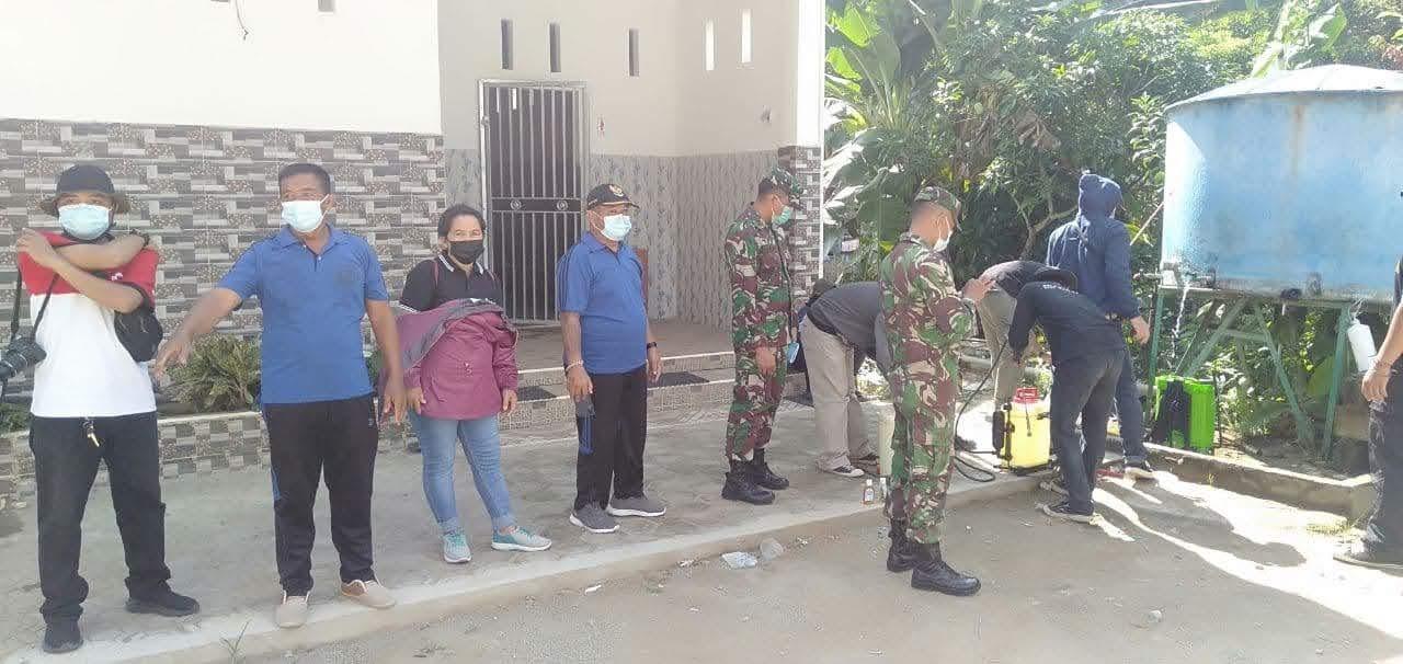 Guna Memberi Rasa Aman ZIDAM XII/TPR Bersama Satgas Covid Ciptakan Keamanan Di Masjid Besar NURUL HIDAYAH DI Desa Anjongan Dalam