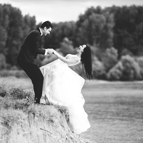 Wedding photographer Boldir Victor catalin (BoldirVictor). Photo of 03.08.2017