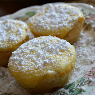 Rustic Lemon Cheese Cupcakes & Ally's Kitchen (A Review).