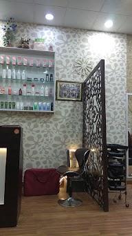 Valentine Unisex Salon photo 1