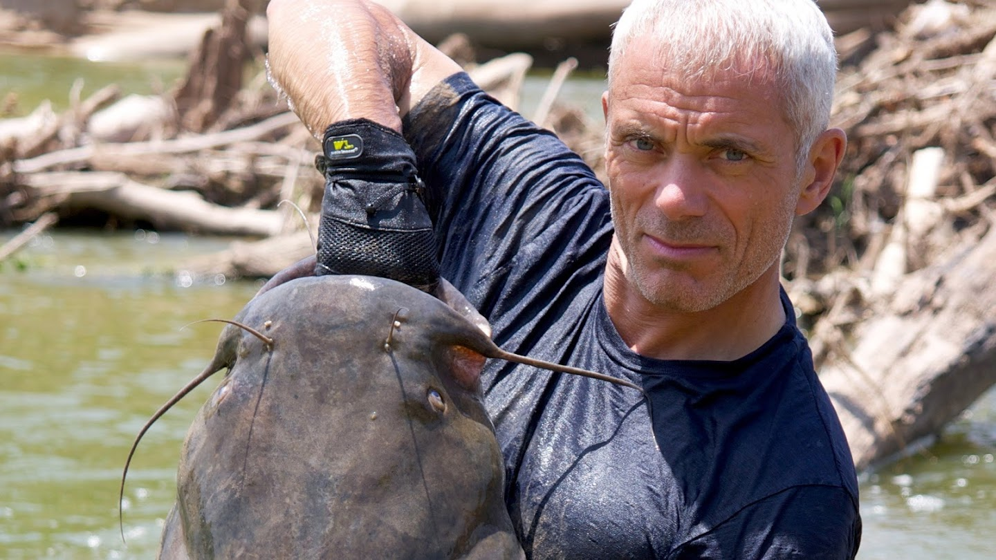 Watch River Monsters live