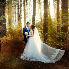Bryllupsfotograf Lyubov Pyatovskaya (Lubania89). Bilde av 24.09.2016