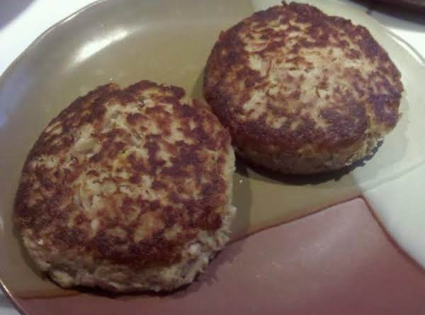 Tuna Cakes: The Poor Girl's Crab Cakes