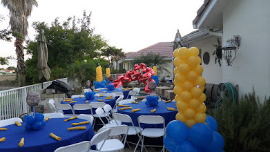 Photo: Pool Party Balloon Decorations. Artist Paola Gallardo 