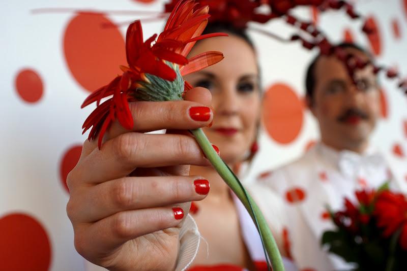 siti porgo questo delicato fiore di lorenzo_davighi