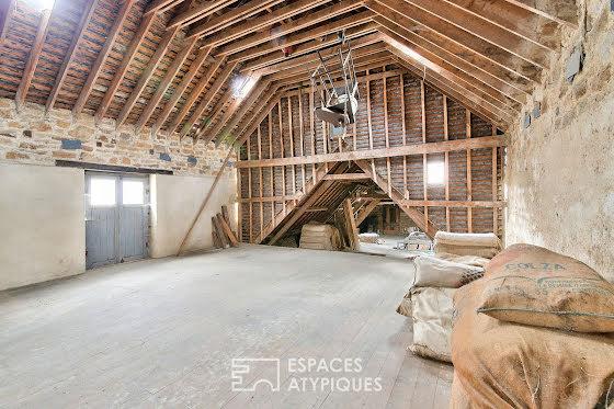 Vente maison 8 pièces 1330 m2