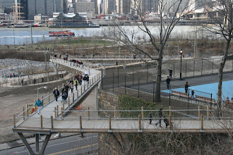Photo: A new foot bridge between the Brooklyn Bridge Park and the Fruit Street Sitting Area that wasn't there the last time I spent time around here.