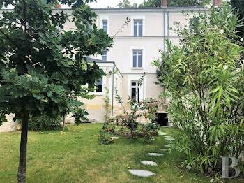 Maison 10 pièces 255 m2