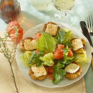 Würzige Kartoffelplätzchen zu knackigem Salat