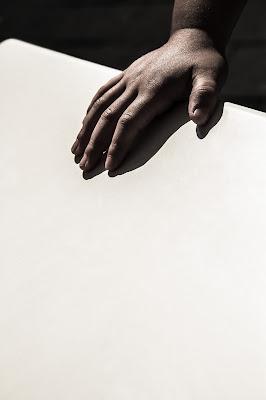 Una mano di omniaphoto