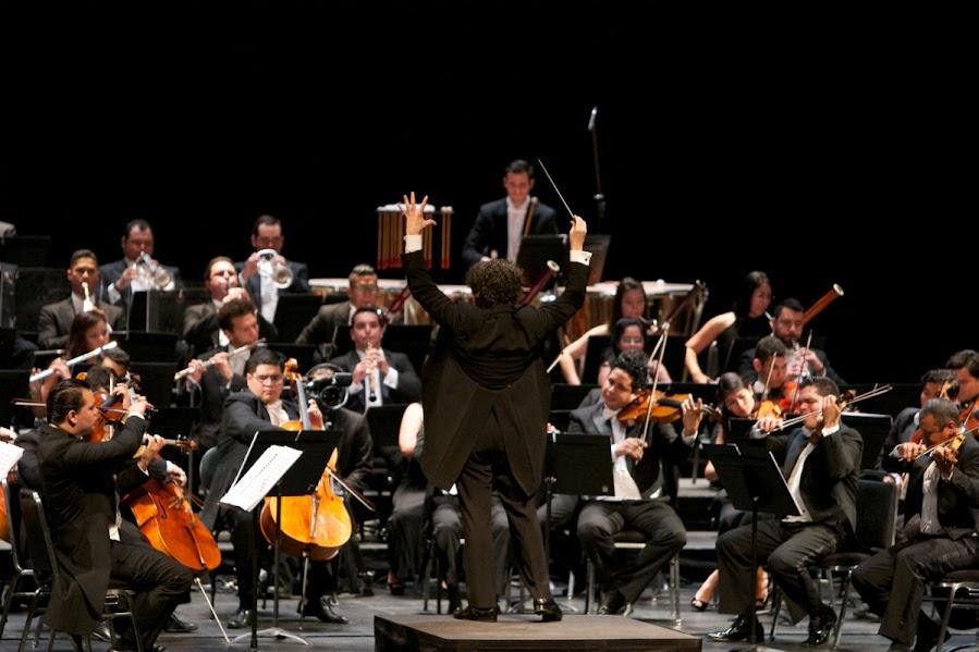 La Orquesta Sinfónica Simón Bolívar de Venezuela, dirigida por el maestro Dudamel, interpretó la Séptima Sinfonía, la Octava Sinfonía y la Obertura Egmont en el primer concierto llevado a cabo en el Zellerbach Hall, en Berkeley.