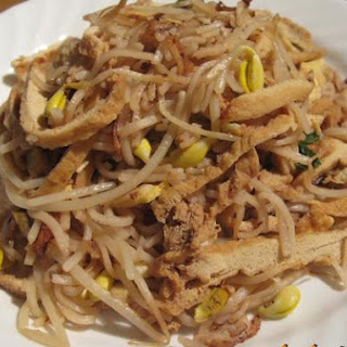 Stir-Fry Rice Noodles With Tofu