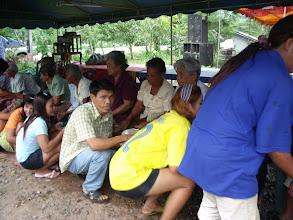 Photo: วันที่ 14 เมษายน 2554 งานรดน้ำขอพรผู้สูงอายุ จัดแบบบ้านๆ ที่บ้านยายชุ่ม หมู่1 ต.เขาไพร อ.รัษฎา จ.ตรัง