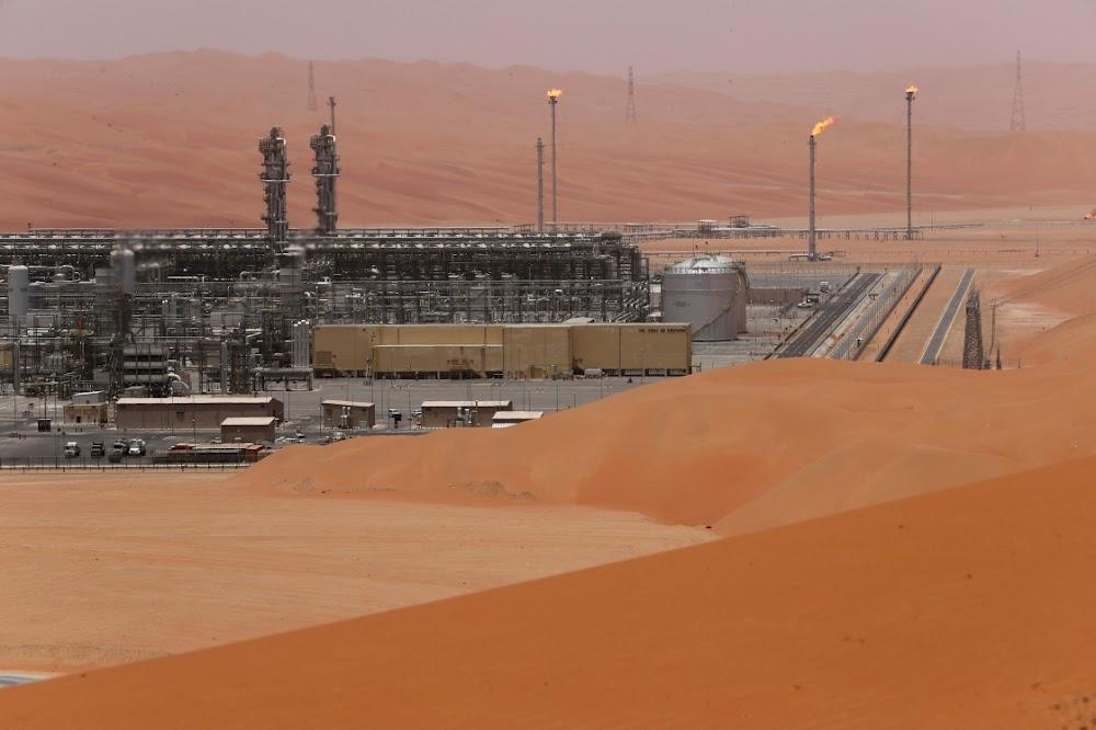 Olie sit sy handelsoorlog en die swak vooruitsigte op die vraag voort