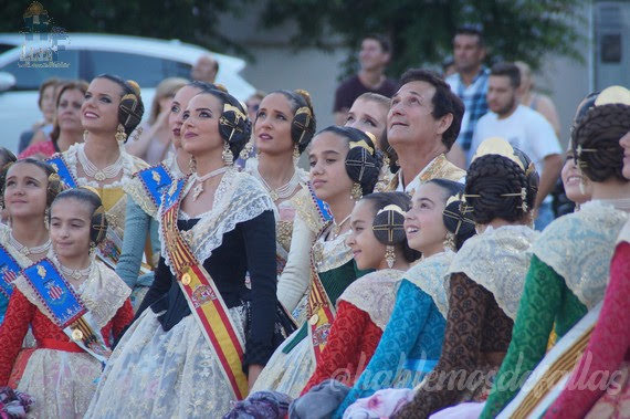 Homenaje de la Agrupación Camins al Grau a la Senyera
