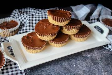 Homemade Peanut Butter Cups (Like Reese's!)