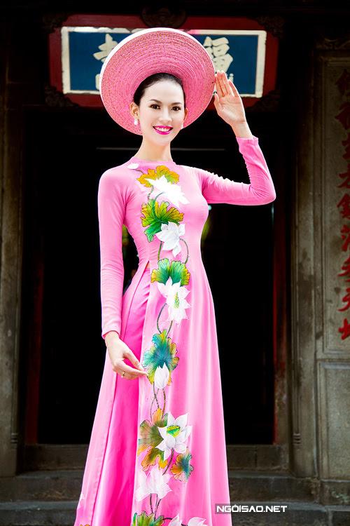thuê áo dài nữ vẽ hoa sen