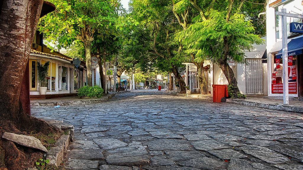 Resultado de imagem para rua das pedras buzios