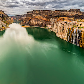 Shoshone Falls and Snake River by Evan Jones - Landscapes Travel ( america, states, rock, space, usa, twin, idaho, reservoir, stock, sky, southern, tree, nature, place, water, united, green, beautiful, canyon, us, scenic, photo, riverbank, snake, perrine, blue, falls, vista, scene, western, view, west, river )