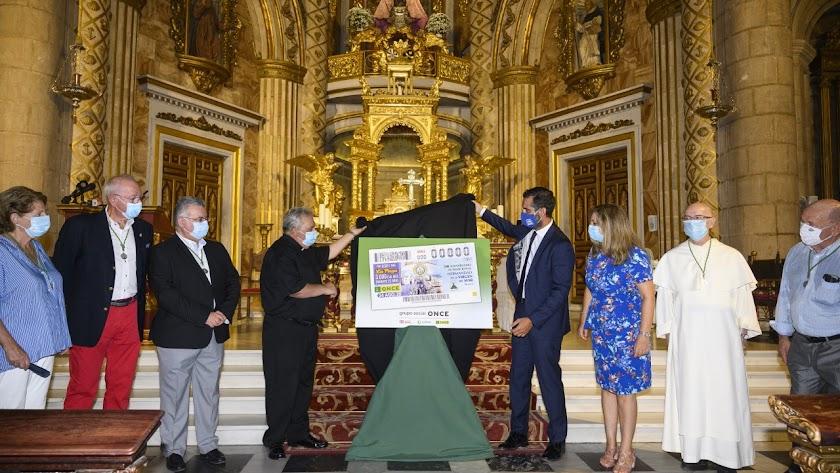 Presentación del cupón con la imagen de la Virgen del Mar.