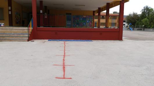 """""""Así no van a ir a clase"""": en huelga padres de alumnos con discapacidad de Berja"""