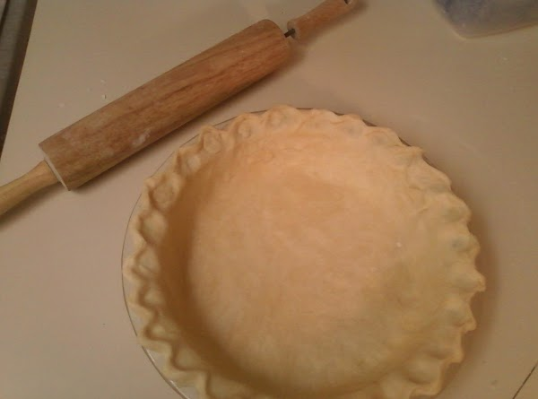 FOR THE CRUST: BLEND flour and salt in medium mixing bowl. CUT chilled shortening...