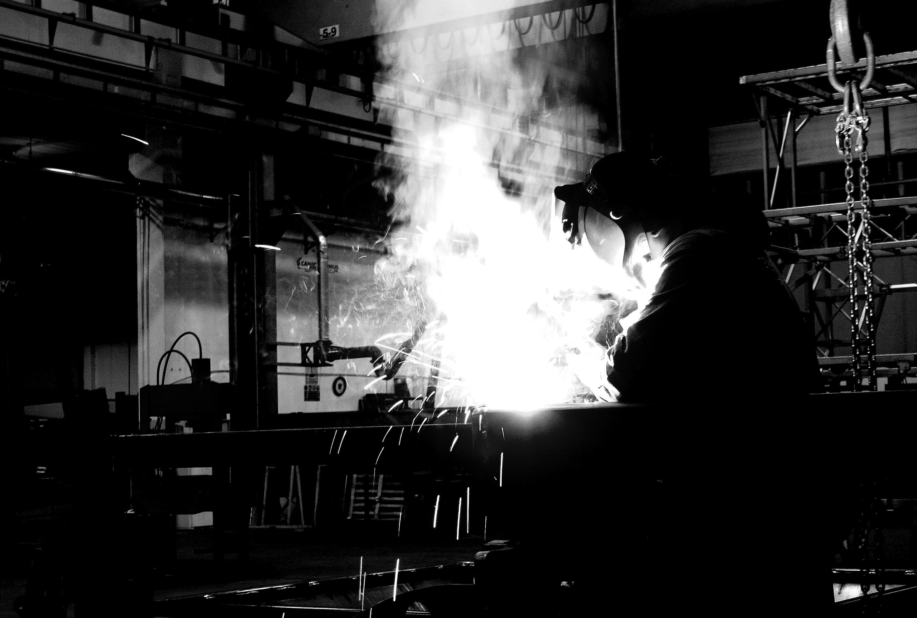 Creare dall'acciaio di Andrea F