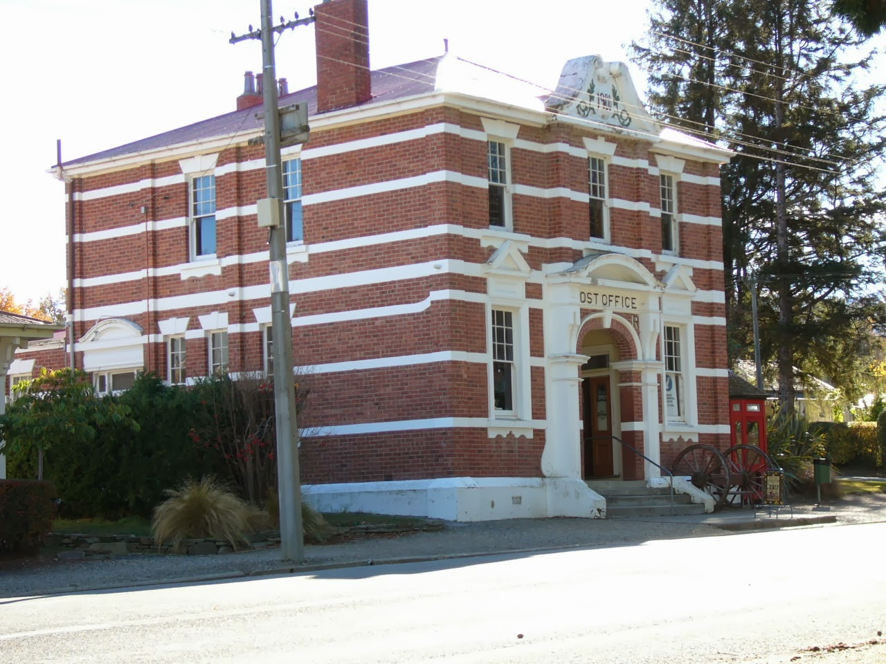 Photo: Naseby Post Office building
